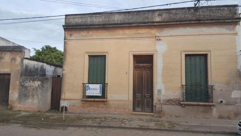 Casa de tipo Antigua - Zona: Pza. Constitución - Terreno: 616m2 - Construcción: 200m2