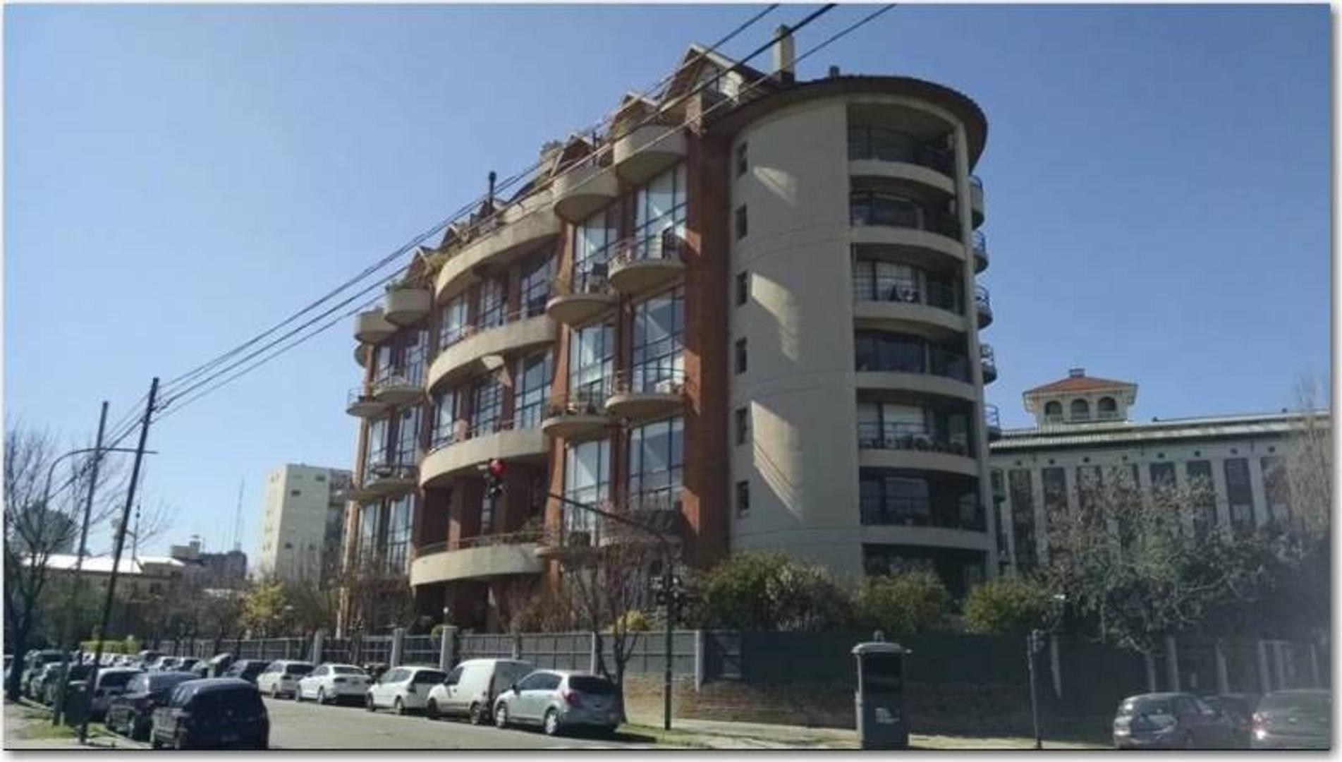Concepción Arenal 2900 Loft 110mts con 2 cocheras