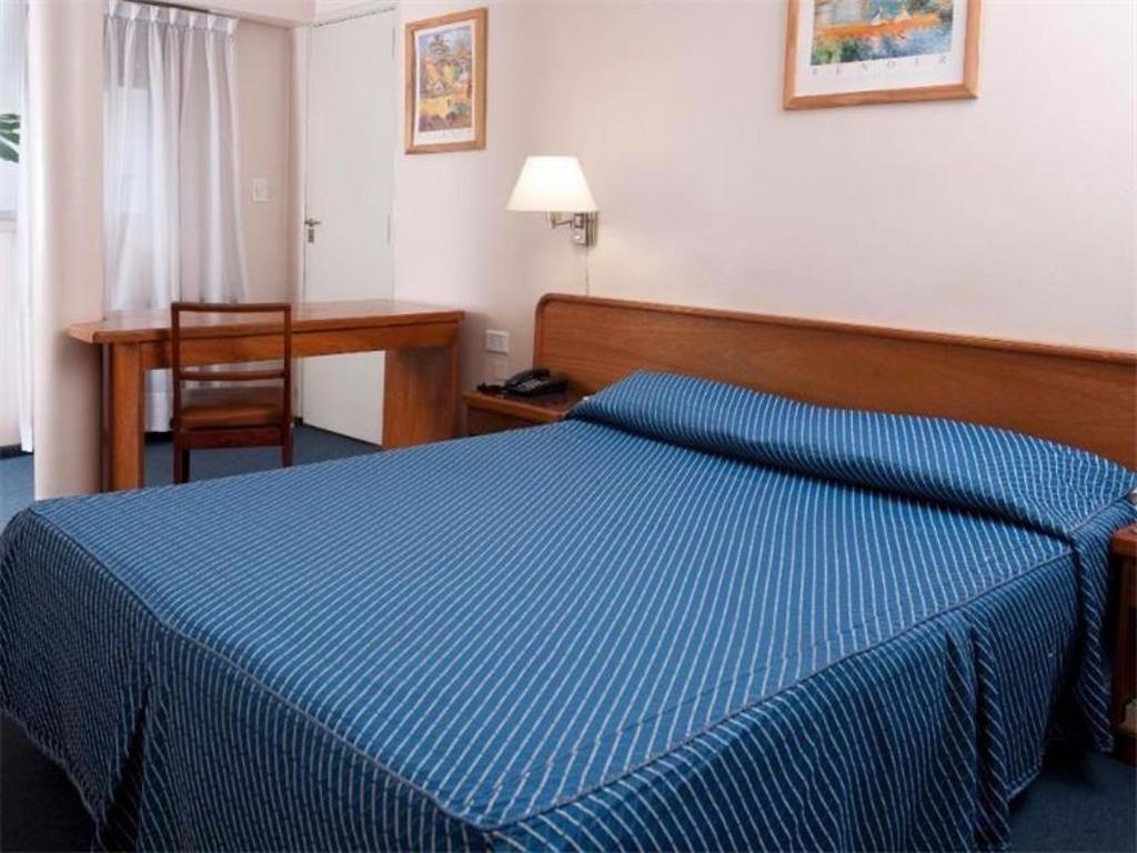 Hotel 51 hab.