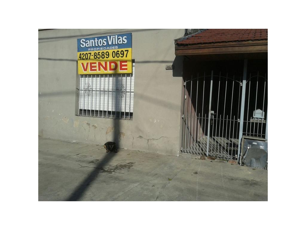 CASA SAN NICOLAS 4800 - VILLA DOMINICO - 3 AMBIENTES CON GARAGE Y PATIO