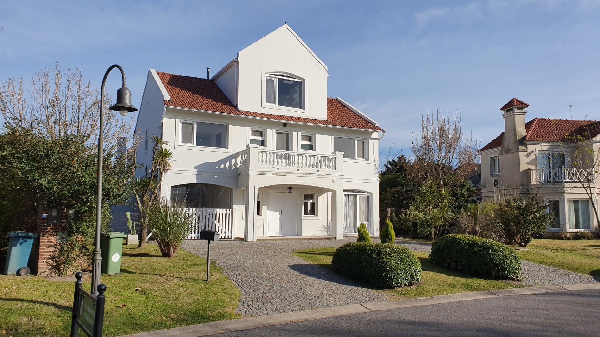 Casa en Alquiler en Nordelta Las Glorietas - 5 ambientes
