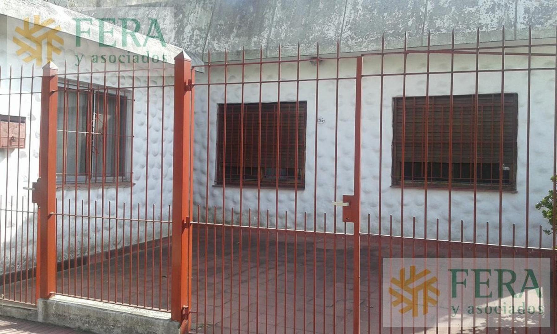 Casa en Venta en Bernal - 3 ambientes
