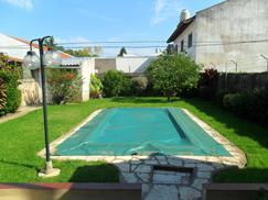 Excelente PH Planta Baja frente de 3 amb con gran jardín y piscina