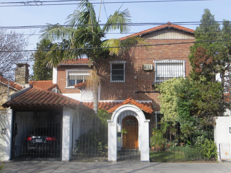 Venta de casa importante, en excelente estado en Olivos Golf