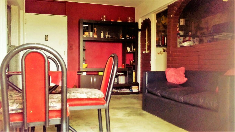 Departamento en venta en excelente estado, buena ubicación y hermoso edificio con jardin y cochera