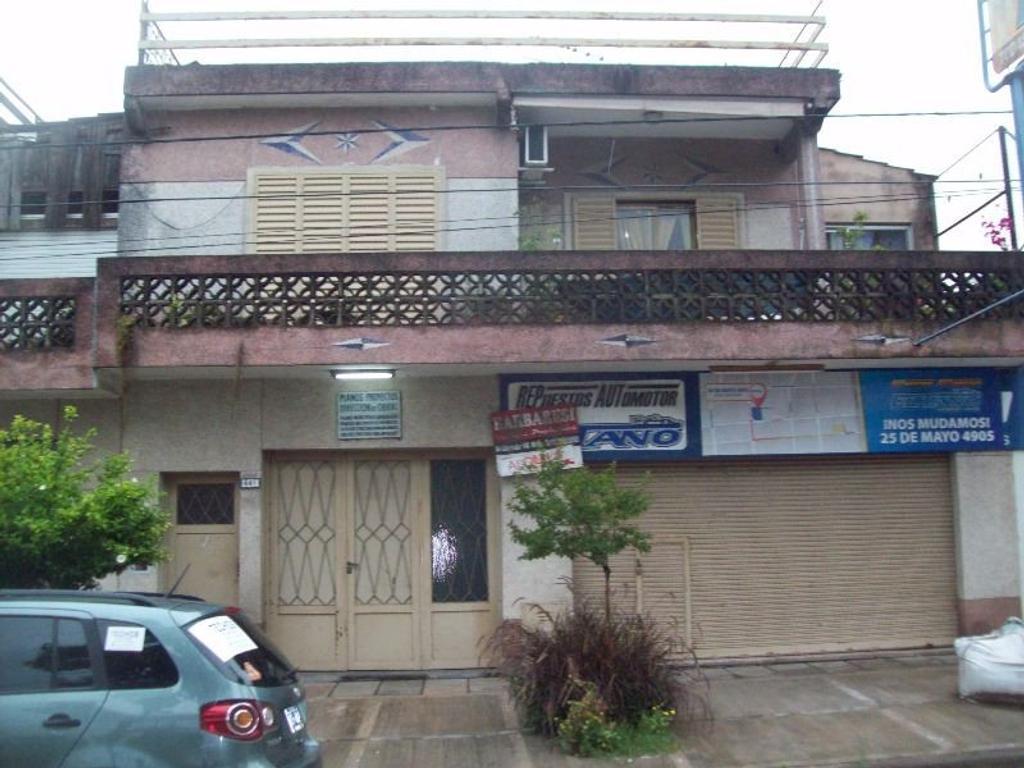 Casa 3 ambientes c/garage y Local Comercial. Merlo. GBA