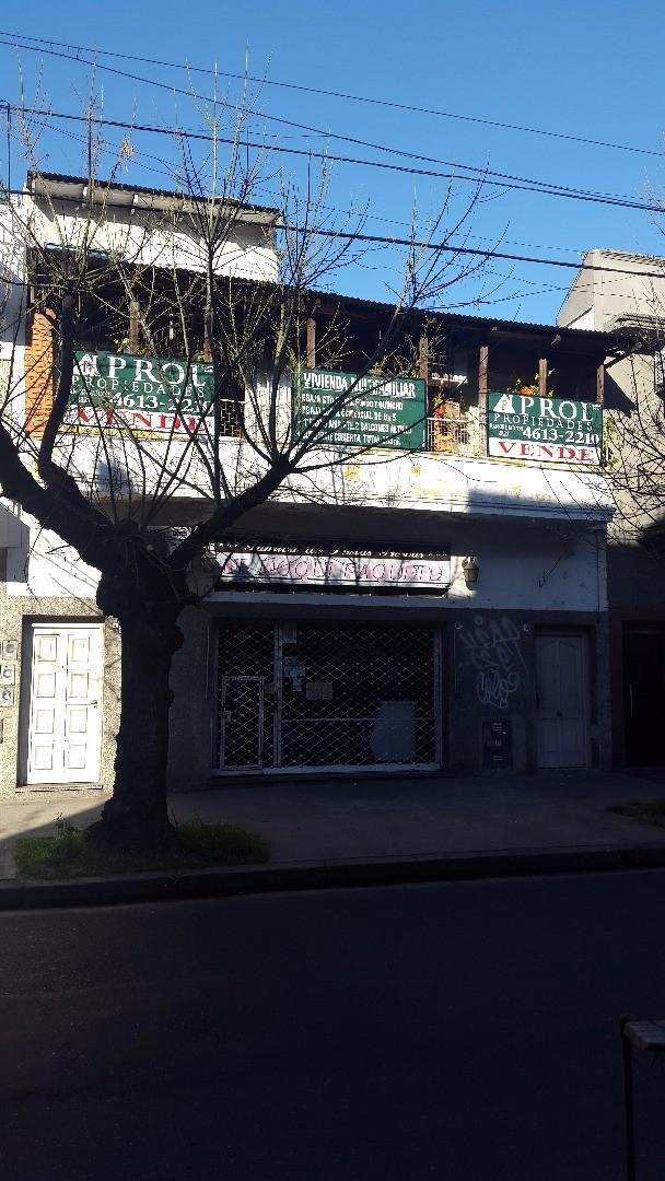 PH DE 3 AMB. AL FRENTE 1º PISO + LOCAL + PH EN PLANTA BAJA DE 5 AMBIENTES CON FONDO Y QUINCHO