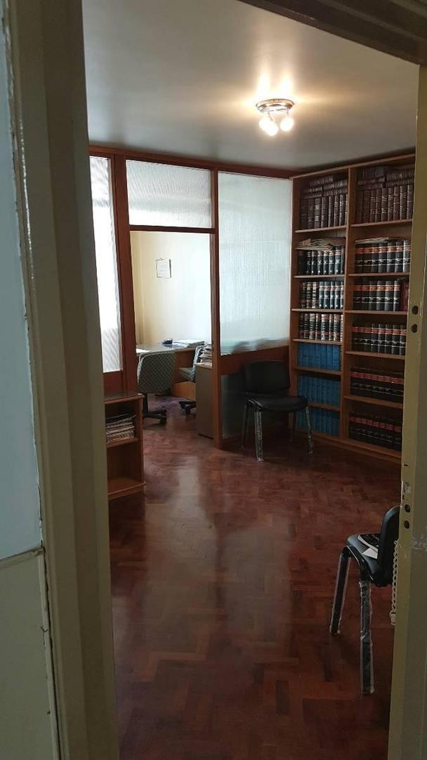 (BRV-BRV-12) Oficina en Centro Porteño, Excelente estado, Seguridad , Tri