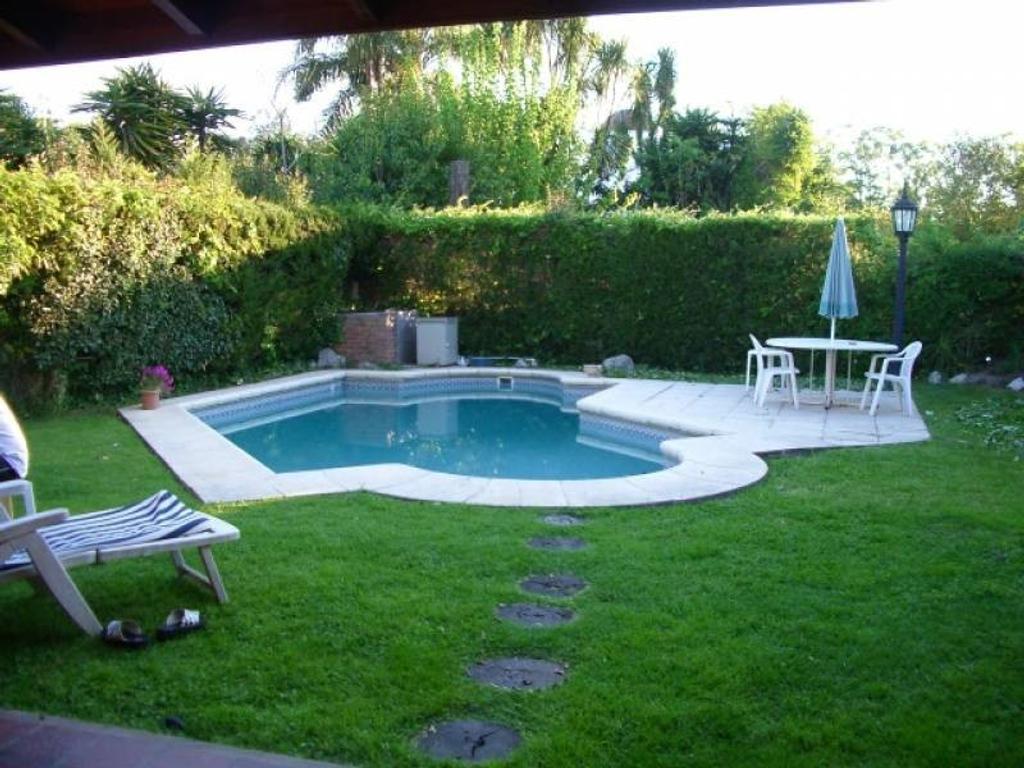 Hermosa Casa en venta en Maschwitz Country Club