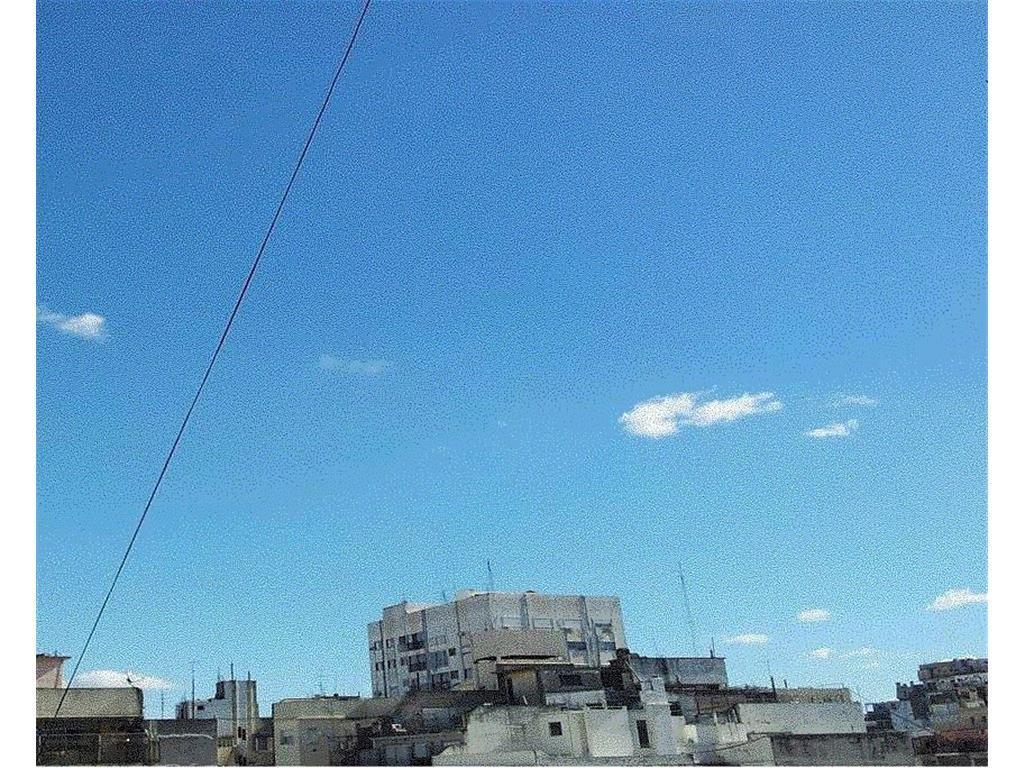 Av. Córdoba 2400 –  Semipiso 90 m2  – Contra frente abierto – A pasos Subte D