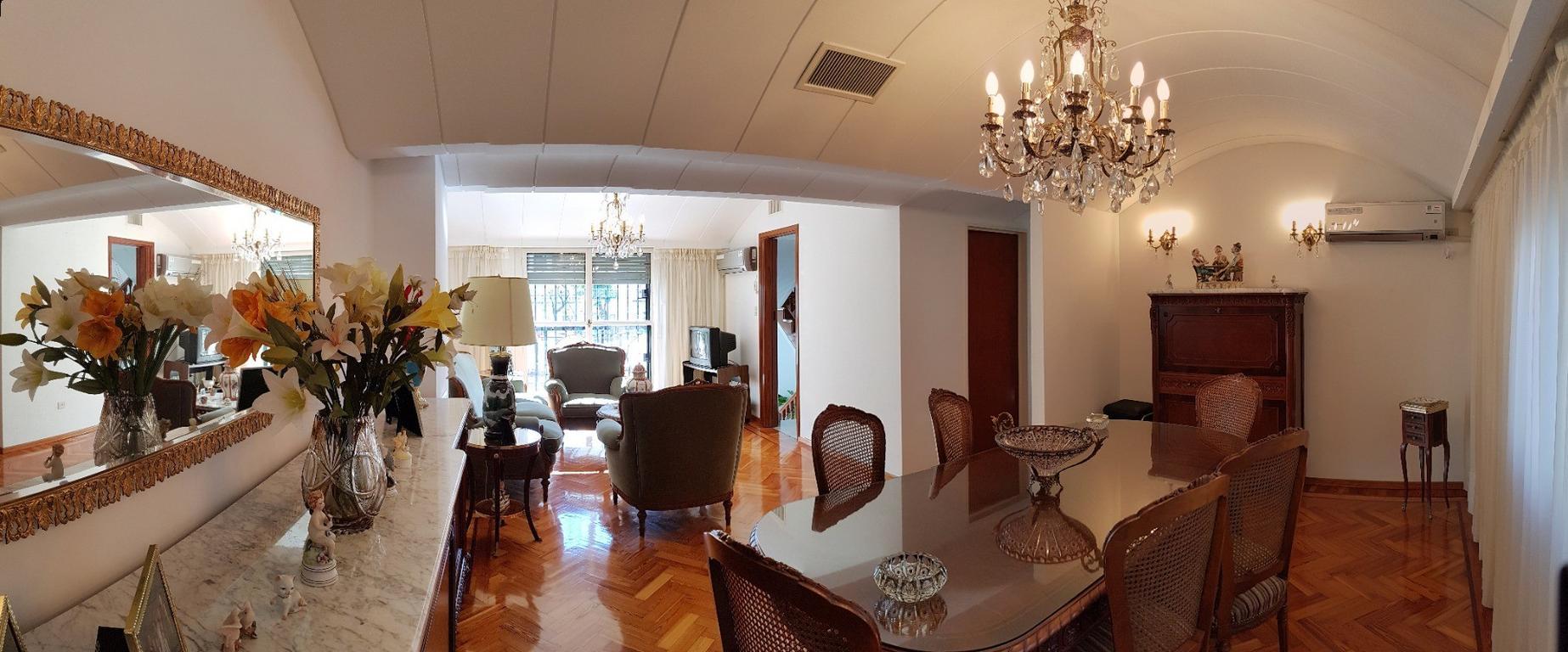 Excelente Casa Sobre Lote Propio en El Centro de Parque Chas Apto Credito