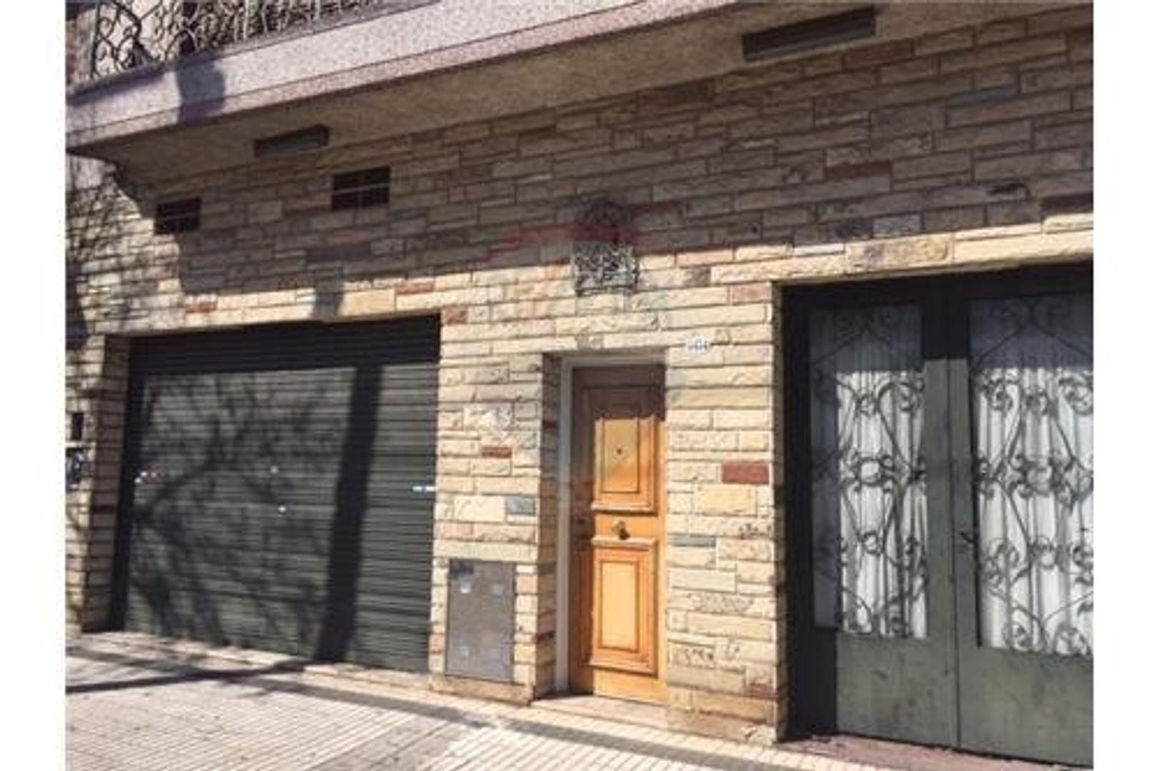 Casa en 2 plantas+Garage+Patio+Jardin+Local