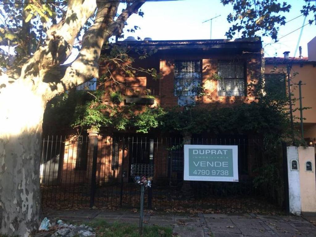 Impecable casa toda refaccionada por sus dueños ubicada en inmejorable zona de Vicente López