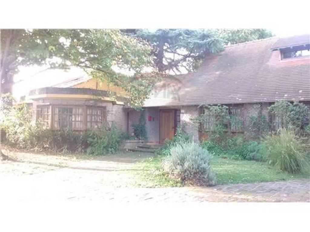 Casa en venta en thorne 700 jose marmol argenprop for Casas en jose marmol
