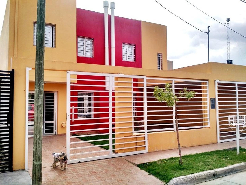 Muy linda casa, cómoda. Muy buen estado y ubicación. Alquilado hasta 30/04/19 en $ 12160.-
