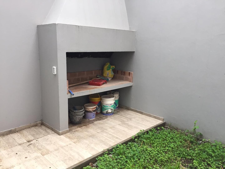 Virrey A Olaguer Y Feliu 4900 - 2 ambientes con cochera