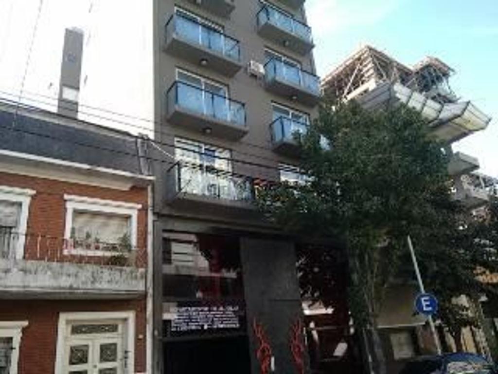 Palermo Hollywood venta departamento 2 ambientes nuevo luminoso patio y balcon amenities edif categ