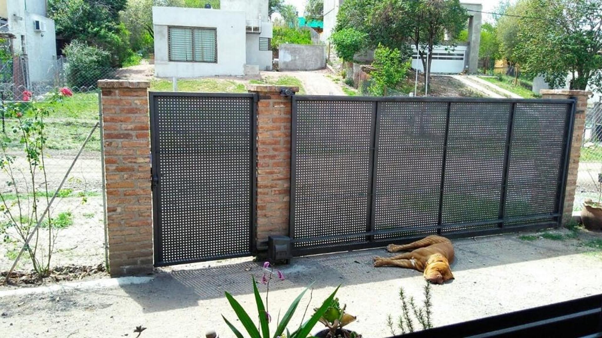 SE VENDE CASA EN MENDIOLAZA, GRAN CALIDAD CONSTRUCTIVA