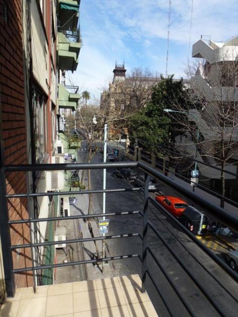 XINTEL(AUG-AUG-1398) Departamento - Alquiler - Argentina, Capital Federal - Riobamba  AL 800