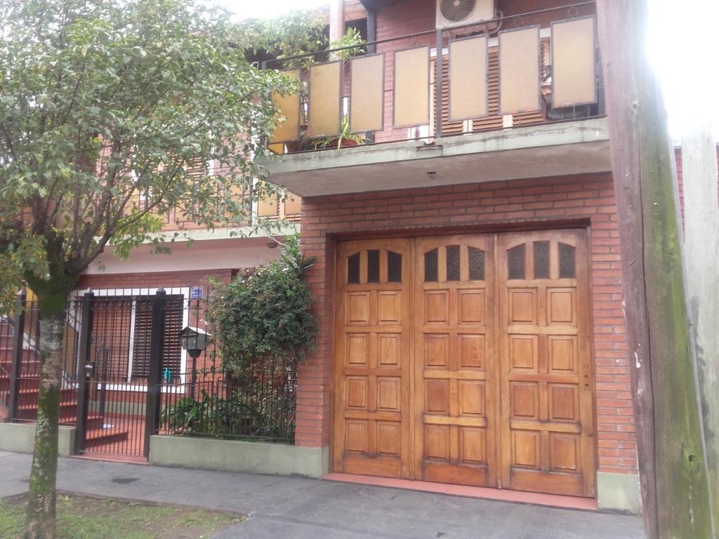 Casa apto dos familias, Ideal Inversor, Apto Crédito, Castelar Sur, Vucetich 2200.