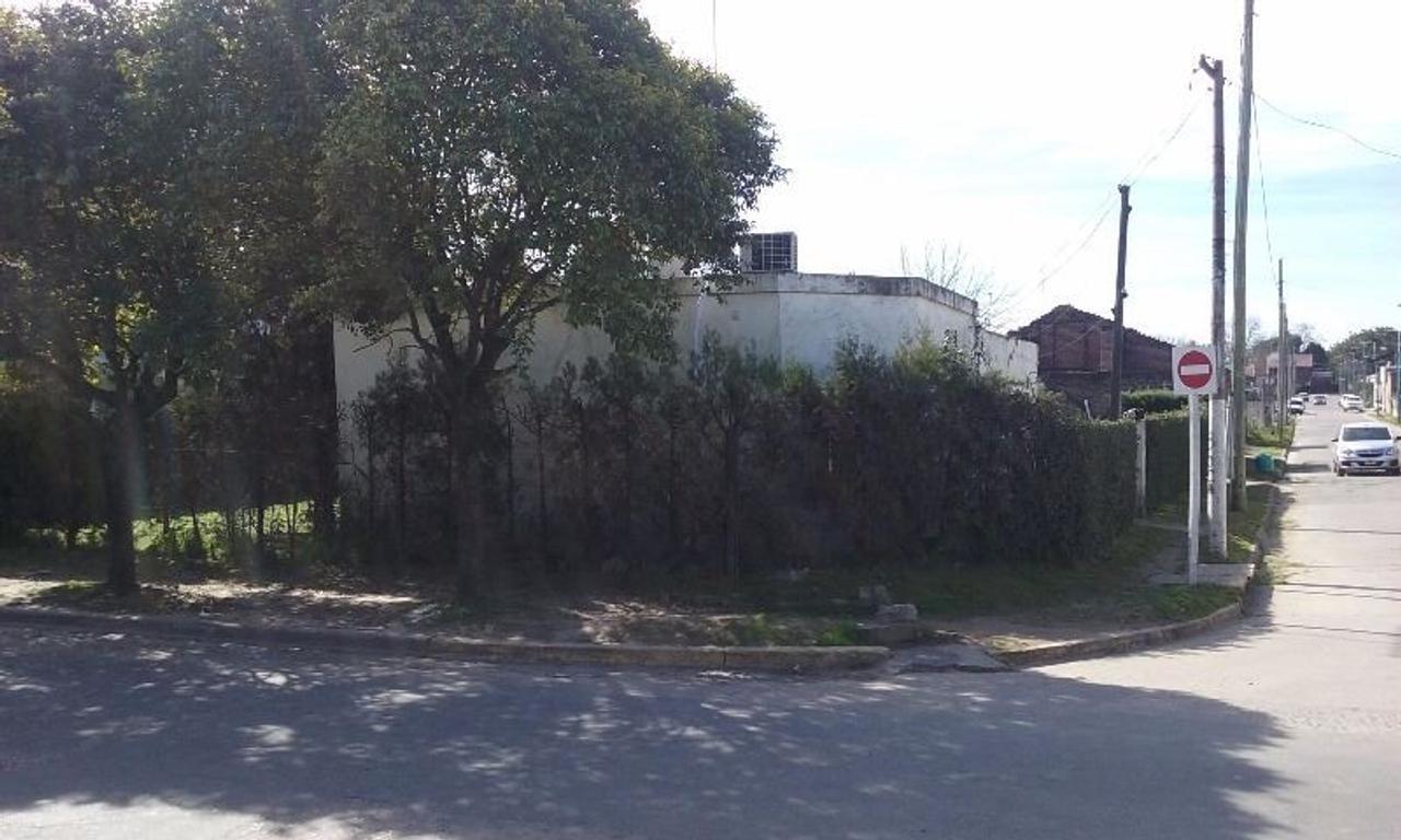 Exclusiva propiedad en esquina. Ideal emprendimiento