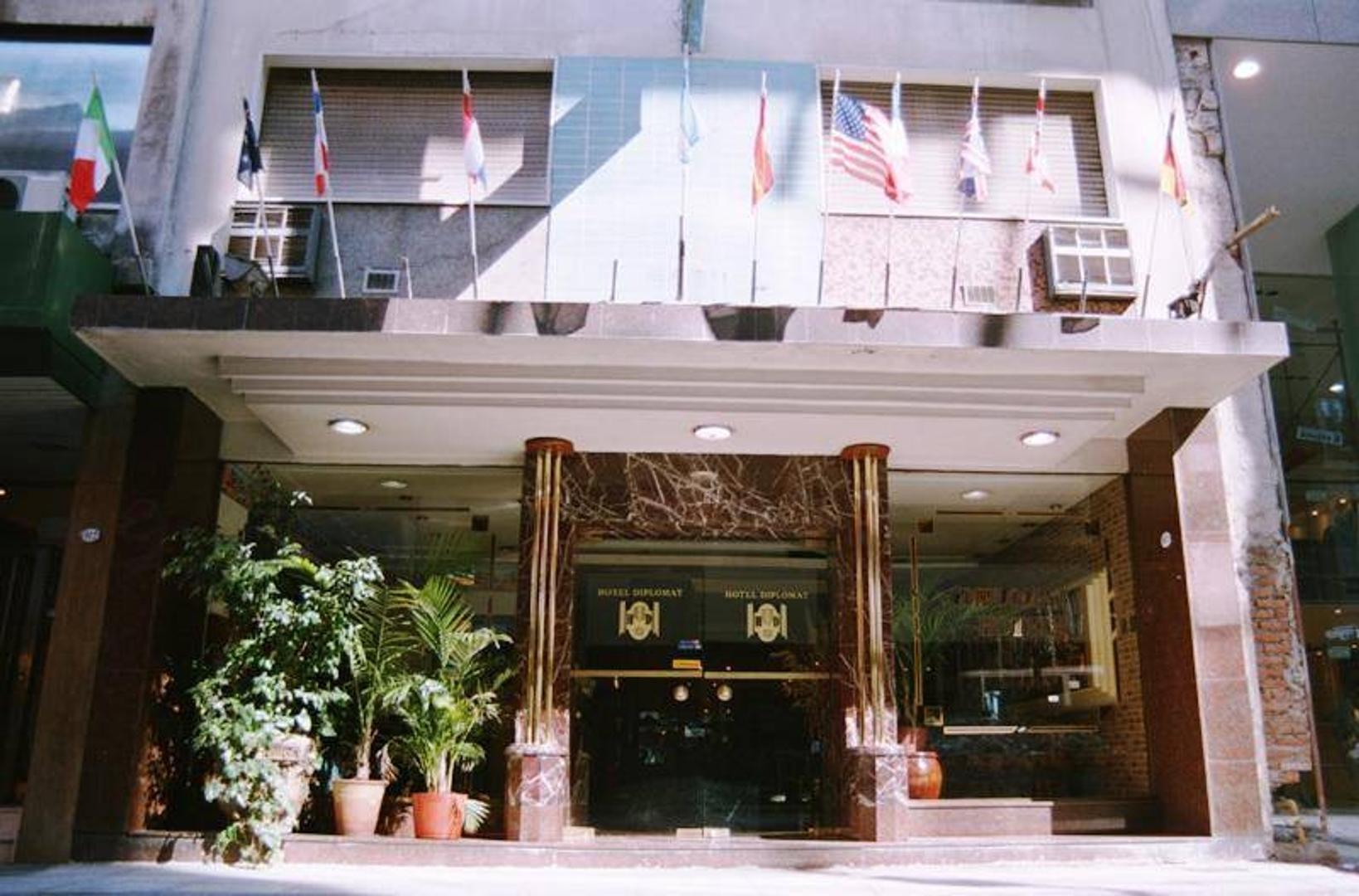 San Martin al 900 : Hotel en Plaza San Martin Retiro
