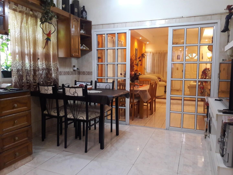 Casa en Venta en Villa Lugano - 4 ambientes