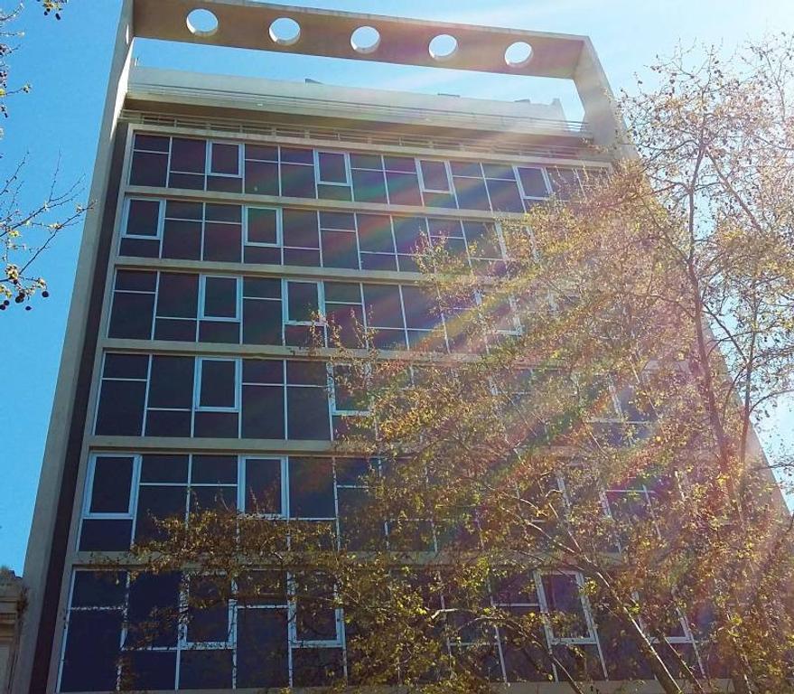 Excelente piso de oficinas con renta - Belgrano y Azopardo
