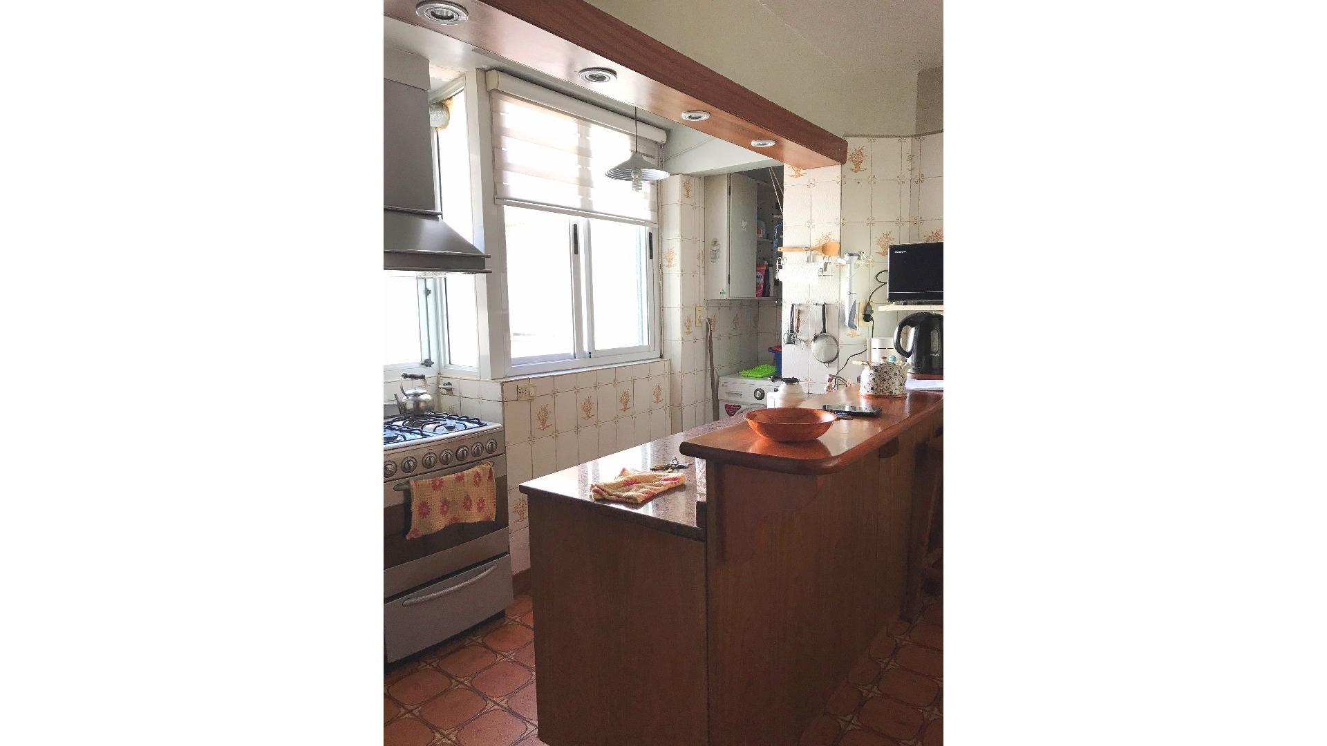 Liv-Com a Balcón - 3 Dormitorios - Cocina Com/Diario -Baño y Toilette - Baulera