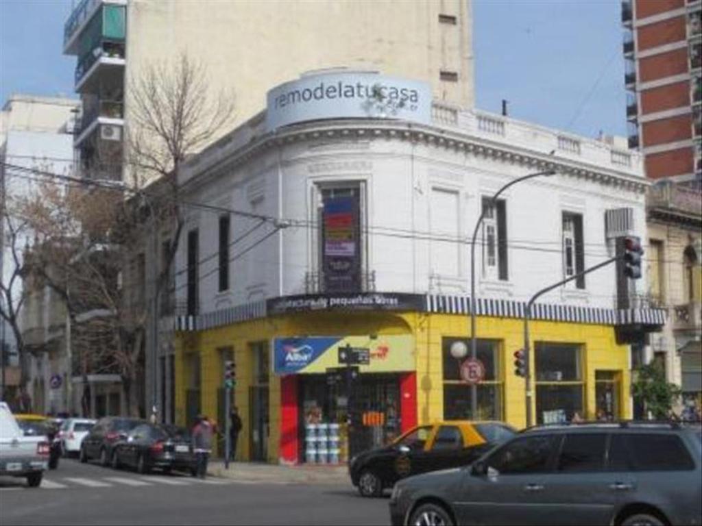 Departamento tipo casa en Alquiler de 5 ambientes en Capital Federal, Caballito