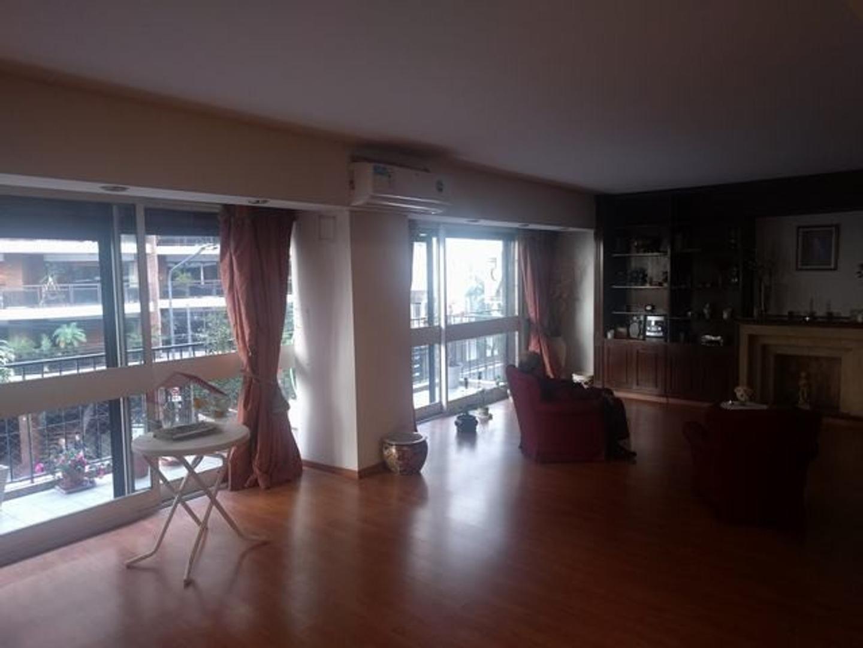 Super departamento grande, 4 dorm, 1 en suite, amplio balcón, dep. de servicio. COCHERA Y BAULERA