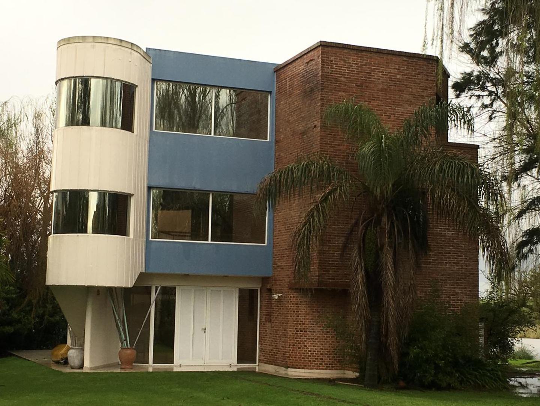 Casa en Venta en Isla Santa Monica - 10 ambientes