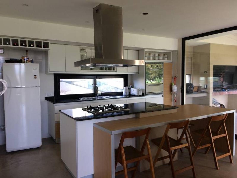 Casa - 250 m² | 4 dormitorios | 3 años