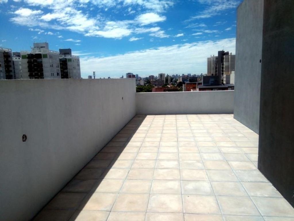 Amplio Monoambiente Divisible C/33 m² de Terraza,  Cochera opcional !!!