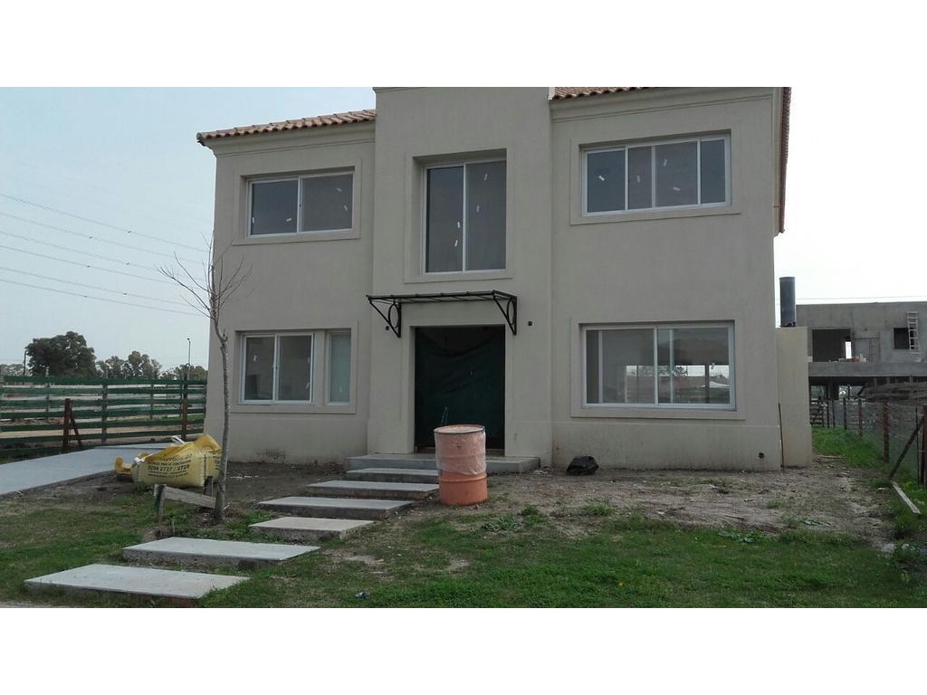 Casa 268m2, 2 plantas y 4 dormitorios en barrio Tipas, Nordelta
