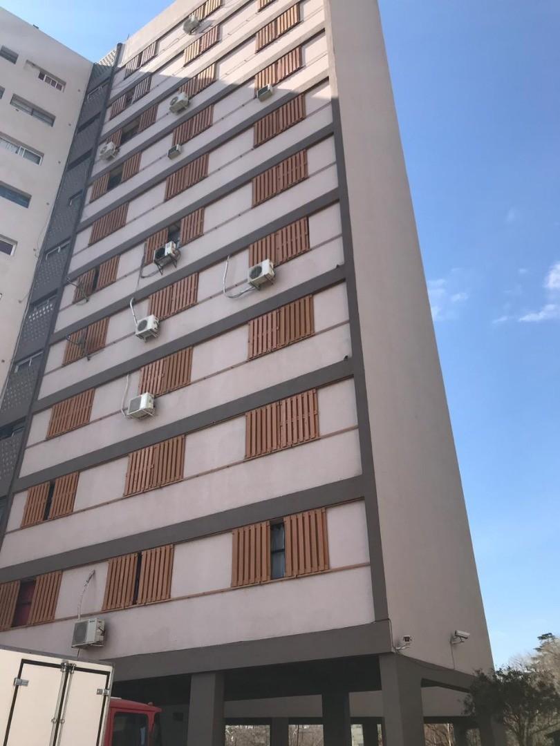 Departamento en Alquiler en Villa Celina - 4 ambientes