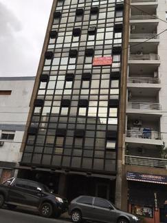 Excelente oficina en Centro de Avellaneda sobre calle Mariano Acosta y Belgrano