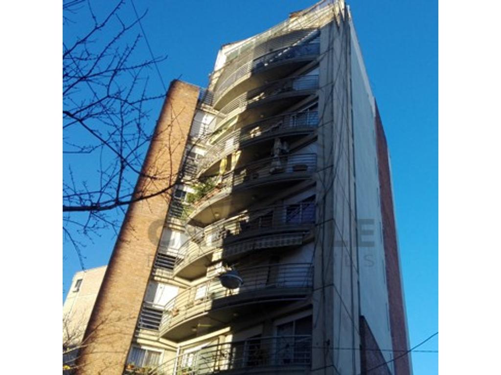 Moreno y Montevideo - Departamento 1 dormitorio a la venta
