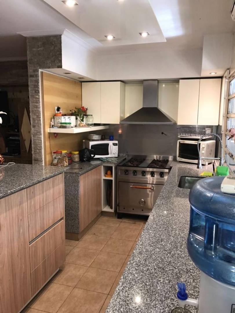 Casa en Venta en Saavedra - 6 ambientes