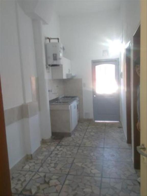Departamento tipo casa en Alquiler de 2 ambientes en Buenos Aires, Pdo. de Vicente Lopez, Olivos, Olivos Maipu/Uzal