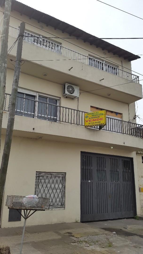 Casa en Venta en Caseros - 10 ambientes