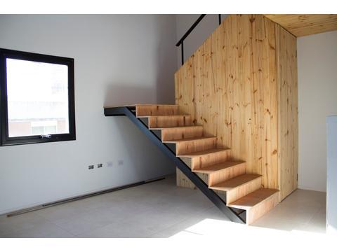 Excelente PH de diseño, A ESTRENAR, muy luminoso y funcional, con patio, parrilla y lavadero, en PA