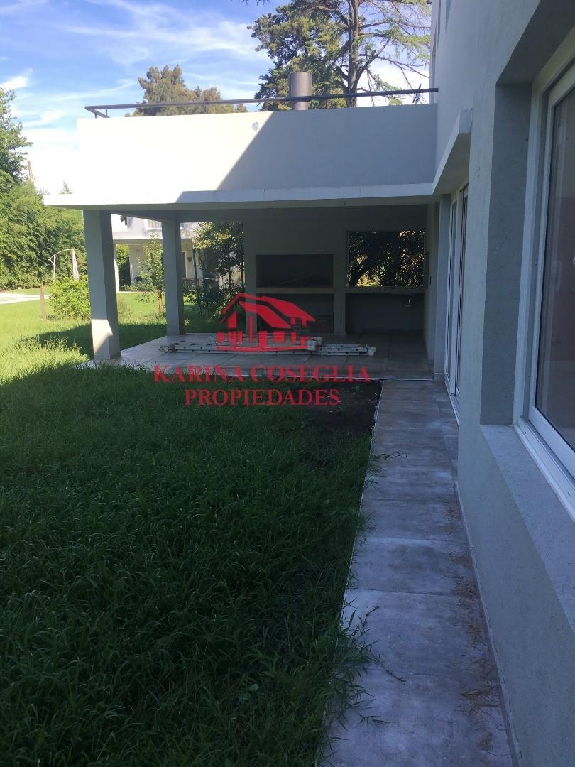 Casa en Alquiler - 5 ambientes - $ 35.000