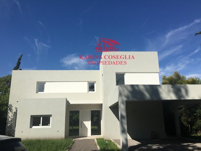 Casa en Alquiler en Pilar - 5 ambientes