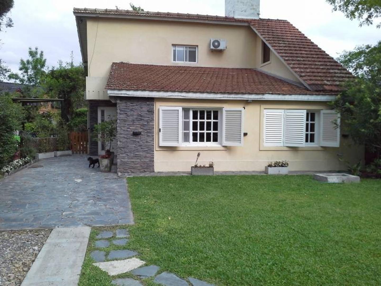 Vallier -Casa en venta en Club de Campo Aranzazu
