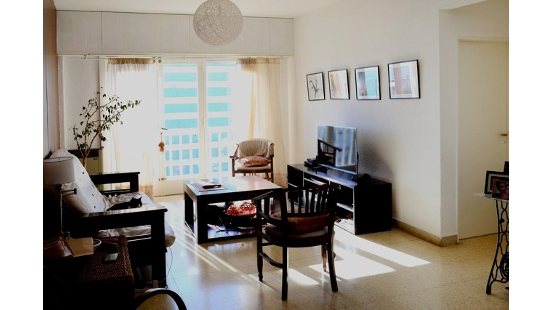 Z/ Gascón y A. del Valle, 3 dormitorios, contrafrente, vista al mar, amplio, cocina y comedor diario