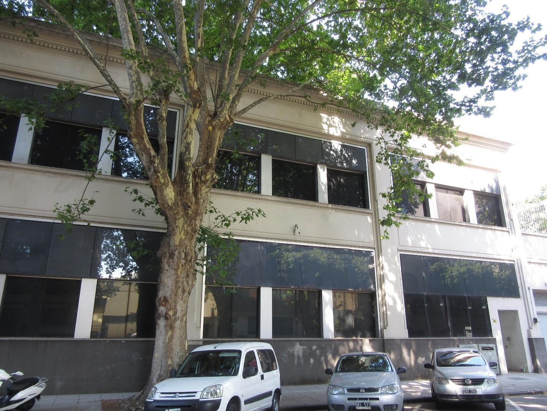 Av. Ing. Huergo 1039 - Alquiler de Edificio en Block