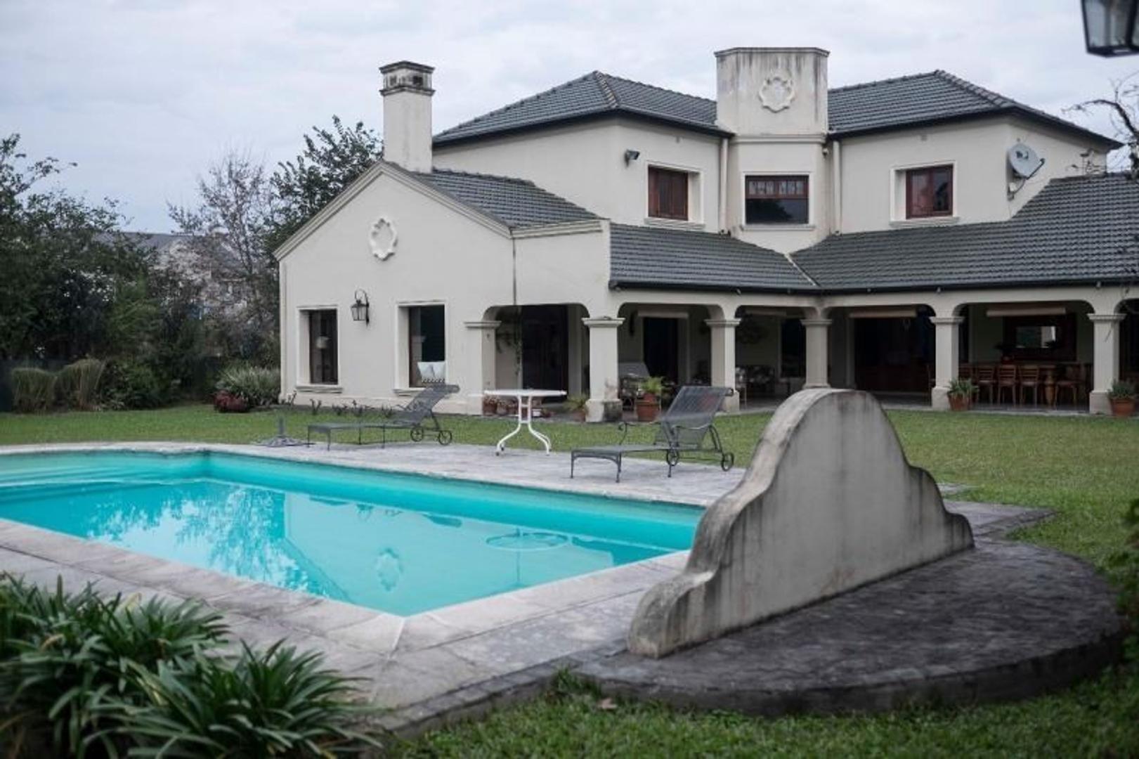 """Espectacular Casa en Venta - Country """"Marcos Paz"""" - 350 m2 construidos"""