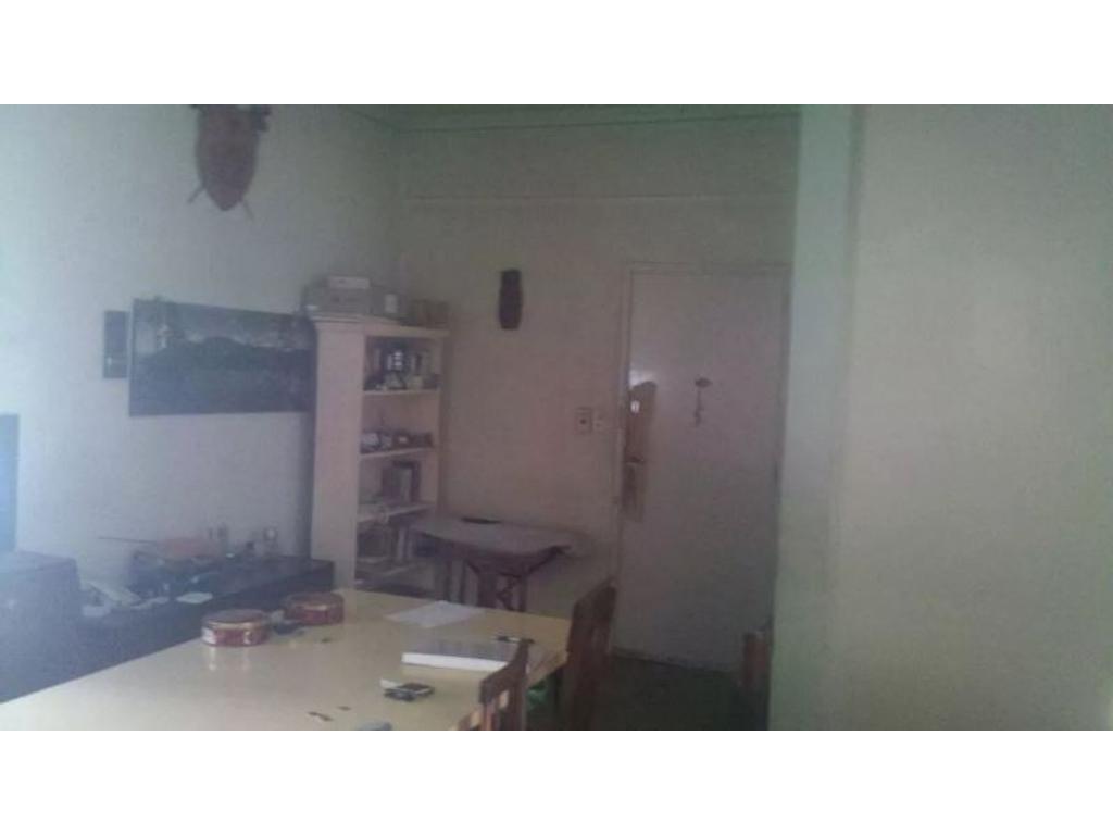 Venta departamento 3 ambientes con patio en Vicente Lopez