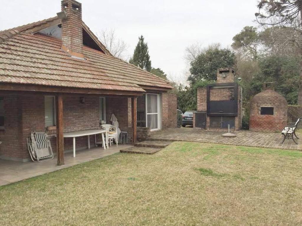 Mayling Pilar - Casa sobre amplio lote de 2000 m2